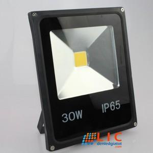 Đèn Pha 30W Full Vỏ Đen Lic Lighting